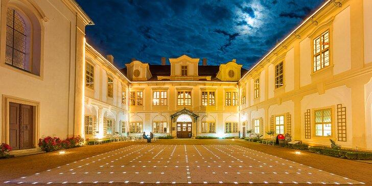 Večerní prohlídka zámku Loučeň a vstup do parku s labyrinty pro děti i dospělé