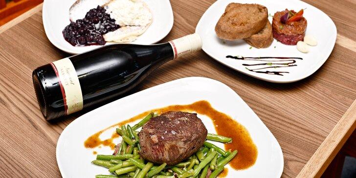 Tříchodové menu pro dva milovníky masa: tatarák, biftek a lívance se žahourem