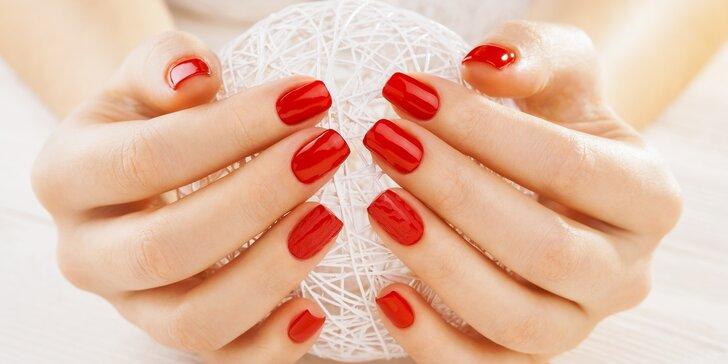 Výběr z péče o ruce: Manikúra, gel lak, modeláž nehtů či jejich doplnění