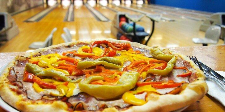 Hodina bowlingu a pizza dle vlastního výběru