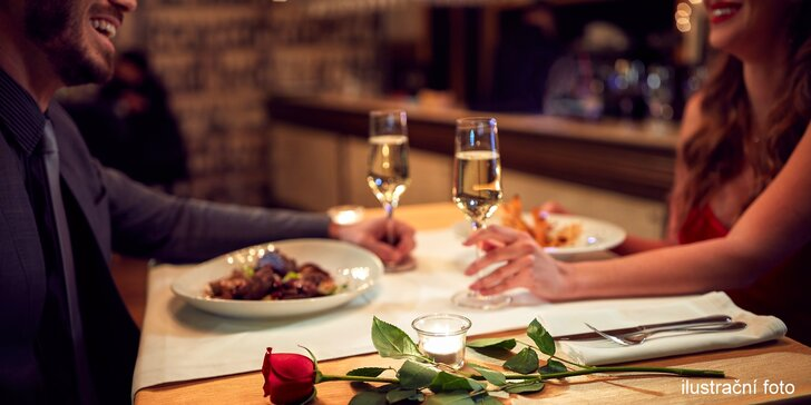Francouzské degustační menu: žabí stehýnka, mladé selátko, králík, dezert i víno