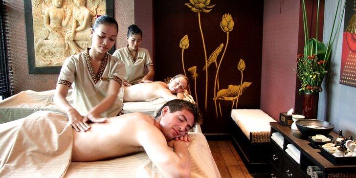 Relax pro dva: Hodinová masáž dle výběru, aroma lázeň a sekt