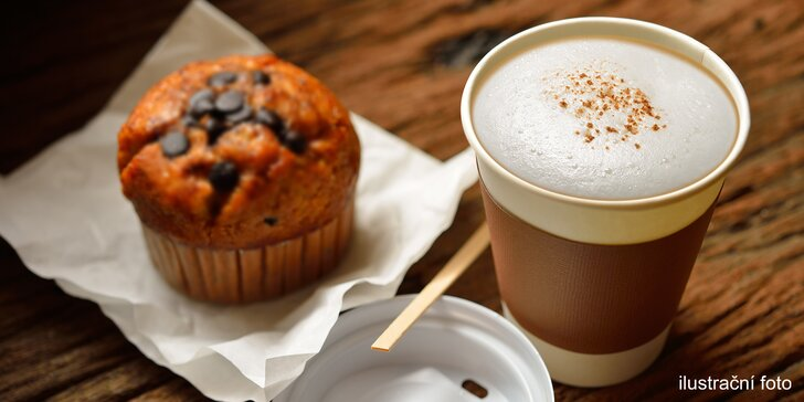 I horký nápoj může osvěžit: capuccino či teplý fresh s muffinem nebo bez