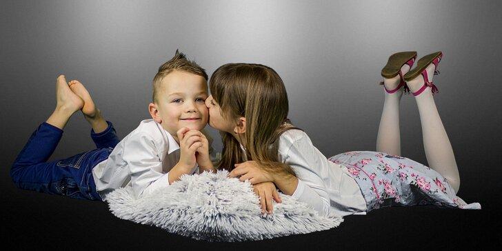 Rodinné fotografování v příjemném ateliéru nebo exteriérové focení