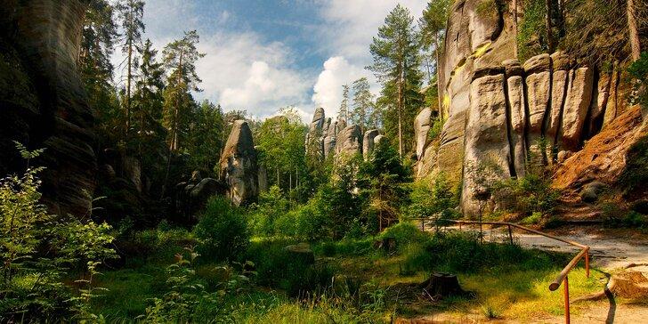 Čarokrásný Adršpach: Dovolená s polopenzí a termíny až do podzimu 2018