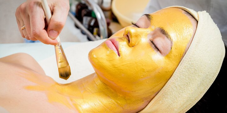Luxusní kosmetické ošetření se zlatou maskou a mikromasáží očního okolí