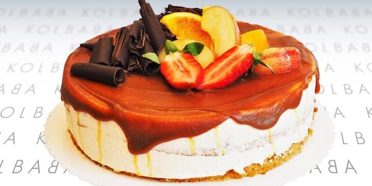 Schwarzwaldský nebo karamelový dort z ostravské cukrárny Kolbaba
