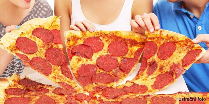 Obří pizza plná vašich oblíbených ingrediencí: průměr 60 cm, odnos s sebou