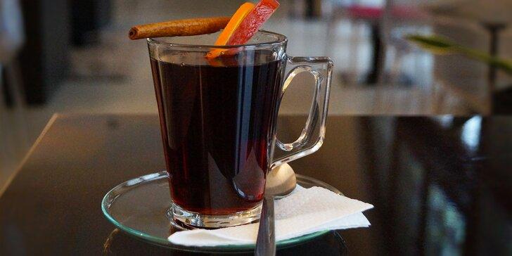 Svařené víno v centru Liberce: vyrazte si do kavárny v budově Oblastní galerie