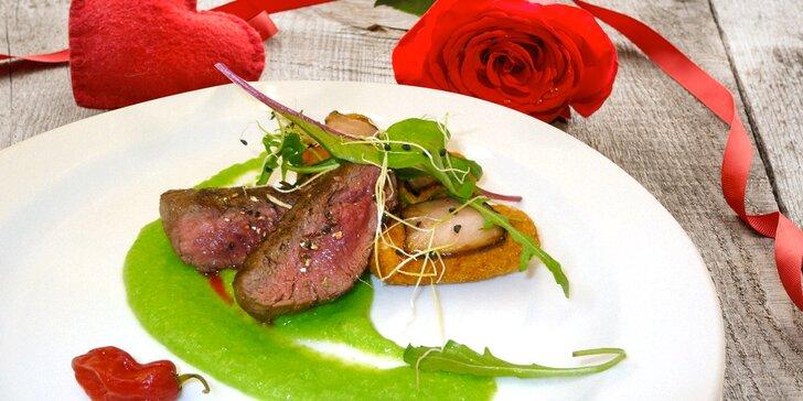 4chodové menu pro dva: krevetová polévka, argentinský steak, kachní prsa i sekt