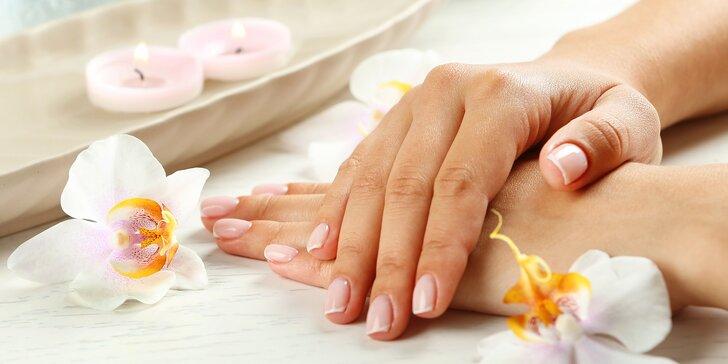 Precizní manikúra s možností masáže, masky i peelingu rukou
