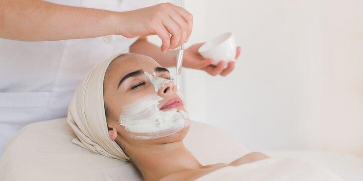 Nechte svou pleť zazářit: kosmetický balíček s chemickým peelingem