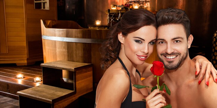 Hodina pro páry v privátním wellness: vířivka, sauna a láhev vína