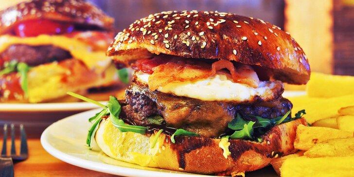 2x burger podle výběru s hranolky nebo americkými bramborami