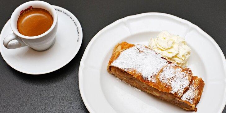 Mlsání v srdci Prahy: Horký nápoj a dezert dle gusta pro jednoho či dva