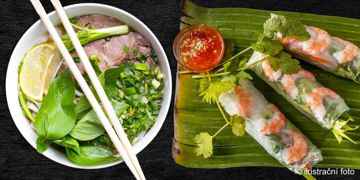 Vietnamská polévka pho a letní závitky s krevetami pro 2 osoby