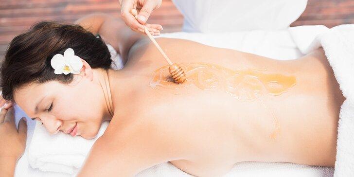 Voňavé masáže dle výběru ze 3 druhů: medová, aroma či thajská olejová