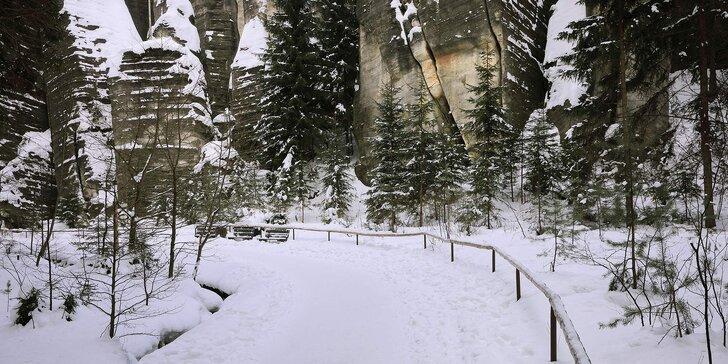 Ubytování u Adršpašsko-Teplických skal: snídaně a 60 minut v koupacím sudu