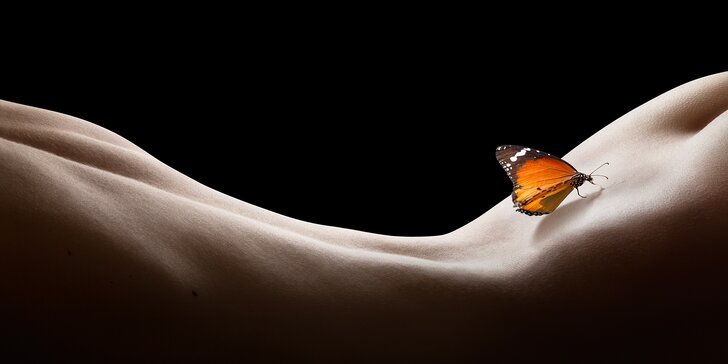 Tantrická masáž od ženy pro ženy: 2–2,5 hodiny masáže, intimní i neintimní