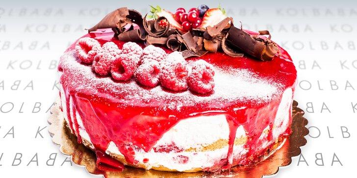 Zlatý hřeb oslavy: bohatě zdobené dorty s příchutí mascarpone nebo pistácie