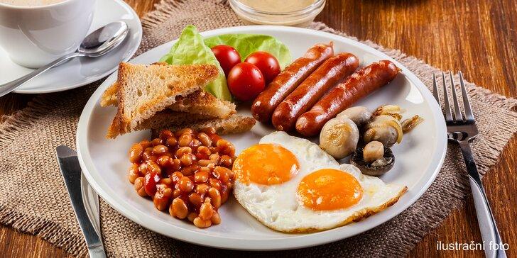Tradiční anglická nebo palačinková snídaně pro 1 či 2 s nápojem dle výběru