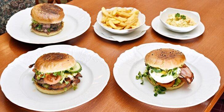 Burgerové menu pro 1, 2 nebo rovnou 4 jedlíky: na výběr ze 3 druhů burgerů