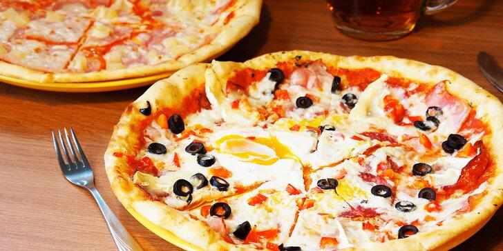 Klasika i netradiční chutě: 2 pizzy dle výběru v Bystrcké oáze