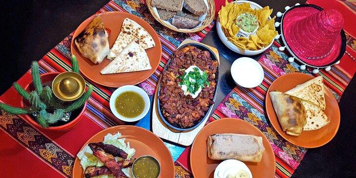 Mexická večeře pro dva: fazole, jalapeños, burrito, quesadilla, dezert nebo tequila