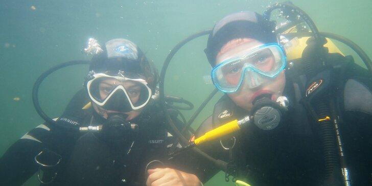 Nakoukněte pod hladinu: zkušební ponor na lomu Srní - 30 min. pod vodou