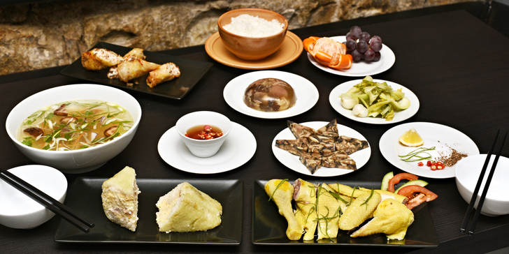 Oslavte vietnamský Nový rok jídlem: tradiční bohaté novoroční menu pro 2