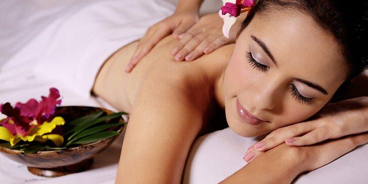 60 minut relaxu: masáž zad, krku a šíje včetně zábalu na uvolnění