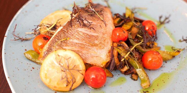 5 valentýnských chodů plných delikates: Knuckle steak i ústřice pro 2