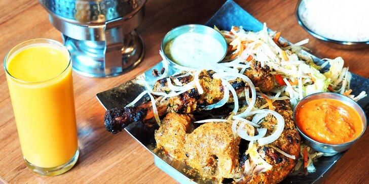 3chodová indická večeře, výběr hlavního jídla: krevety, jehněčí i vegetariánské