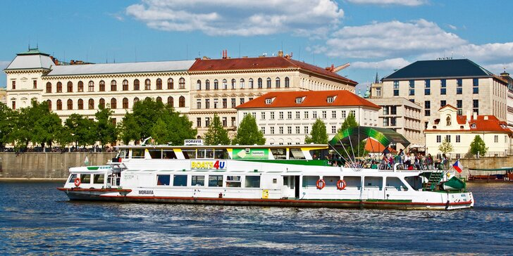 Velikonoce na Vltavě: vyhlídková plavba s živou hudbou a 4chodové menu