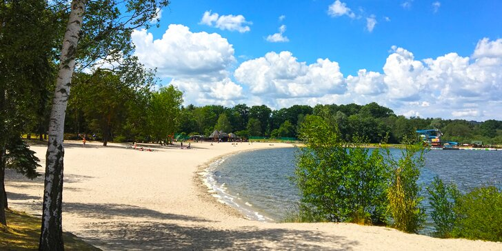 Rozkvetlé jaro v kraji romantiky: Chata u Máchova jezera až pro 11 osob