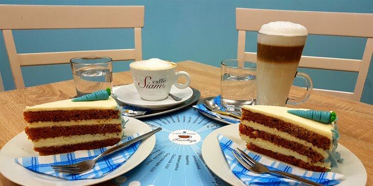 Káva nebo domácí limonáda dle výběru a, chcete-li, mrkvový dort k tomu