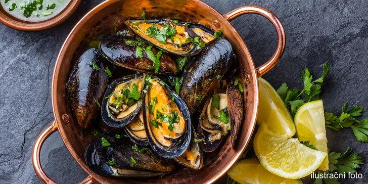 Ochutnejte moře: 500 g nebo 1 kg čerstvých slávek na provensálský způsob