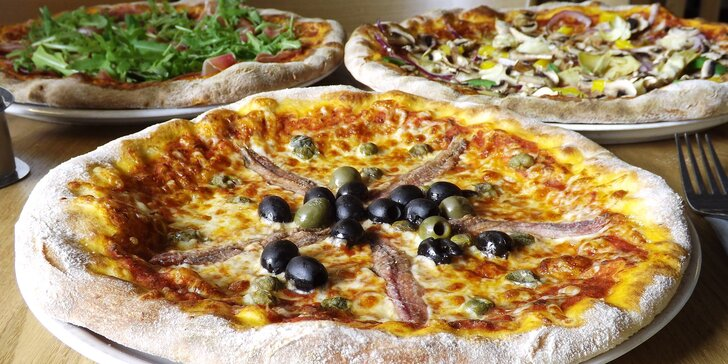1 nebo 2 pizzy z pece na dřevo a sleva na piva v restauraci na Vinohradech