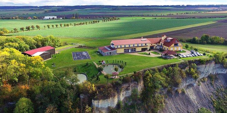 Až 6 dní v klidném Resortu Oáza ve středních Čechách s vyhřívaným bazénem