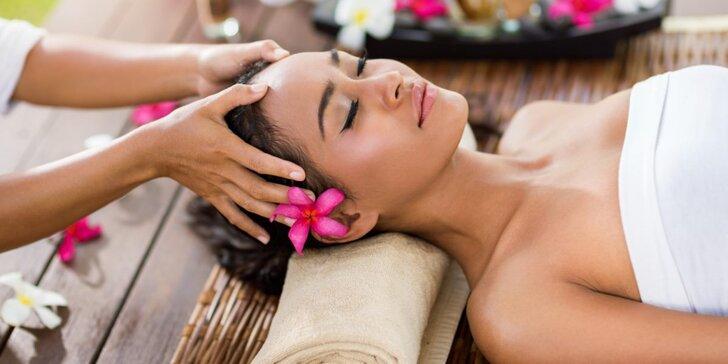 Královské hýčkání: hodinová thajská antioxidační masáž s welcome drinkem