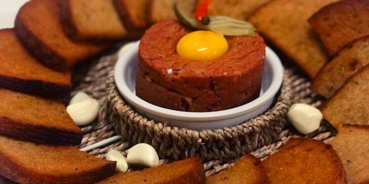 Tatarák z pravé hovězí svíčkové a topinky z domácího chleba