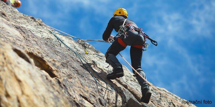 Slaňujte různými způsoby – vertikální zážitek na skále