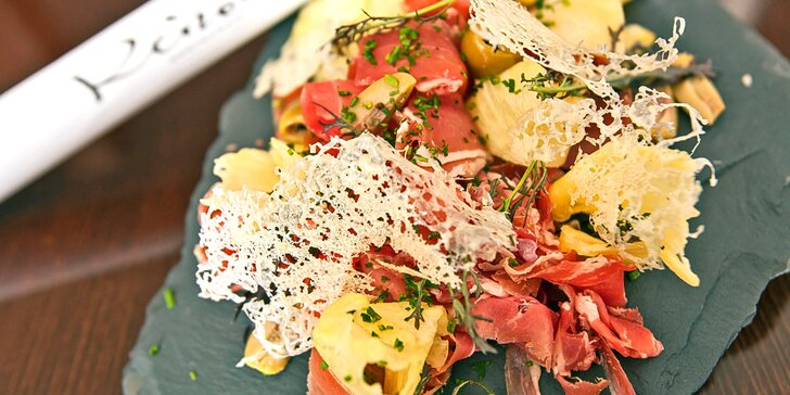 5 chodů plných delikates: Ratattouille, losos s fenyklovou omáčkou, případně i víno