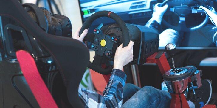 V kůži profi závodníka: racing v simulátorovém křesle, které kopíruje pohyb auta