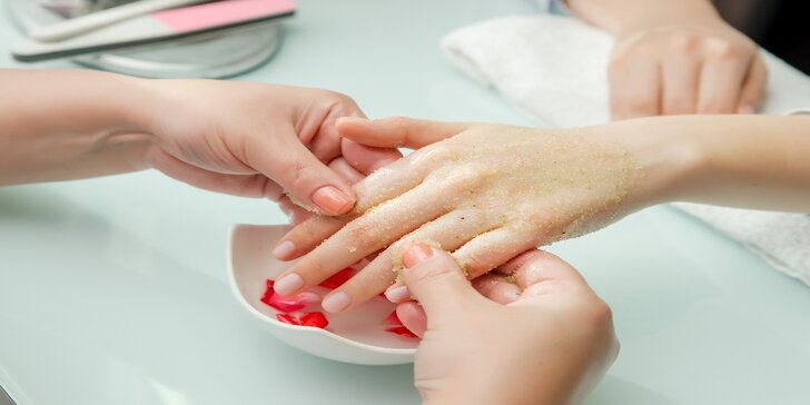 Dopřejte svým rukám péči: P-Shine japonská manikúra s mikropeelingem rukou