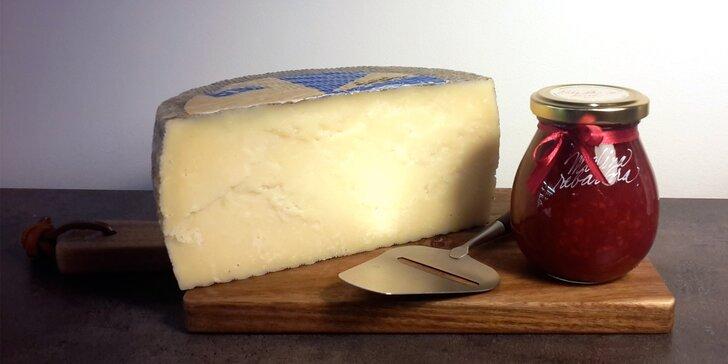Sýr, který nemá jméno: zralý 2 či 10 měsíců, váha 200 či 400 g + kalíšek marmelády