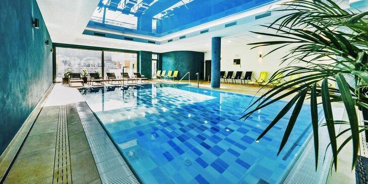 Wellness pobyt s polopenzí: saunový svět, bazén, jacuzzi a další relax