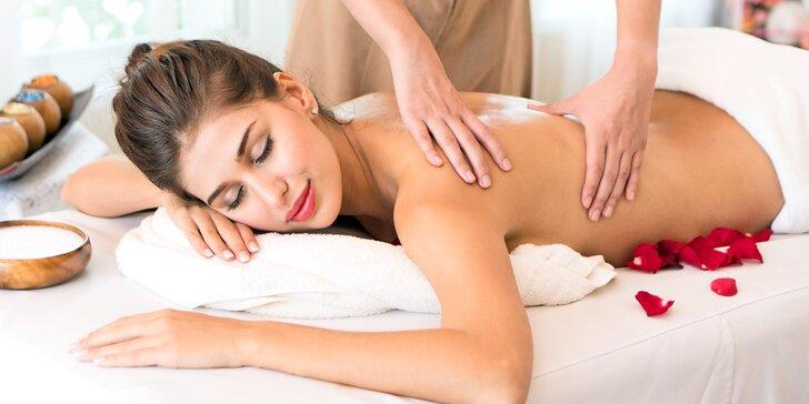 Od šíje po chodidla: hodinová zdravotní nebo regenerační masáž