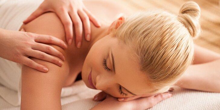 Důkladná masáž zádového a šíjového svalstva dle výběru v délce až 75 minut