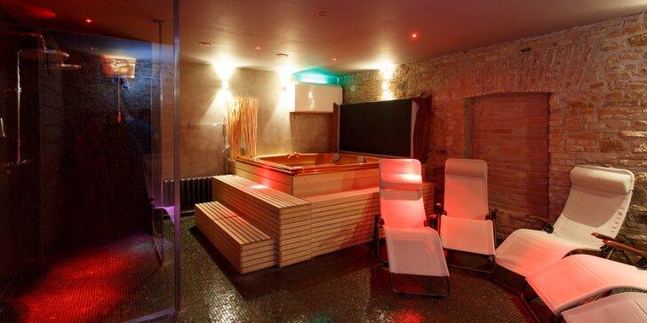 Vstup do lázní pro jednoho: sauna, whirlpool i pára v době 17–22 h